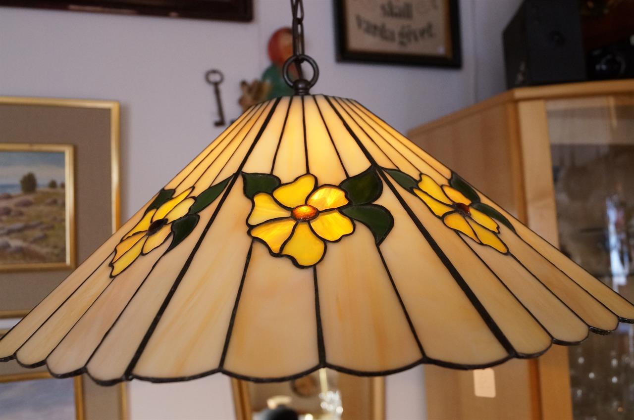 lampa tiffanystil