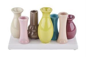7 mini vaser på rad i olika färger