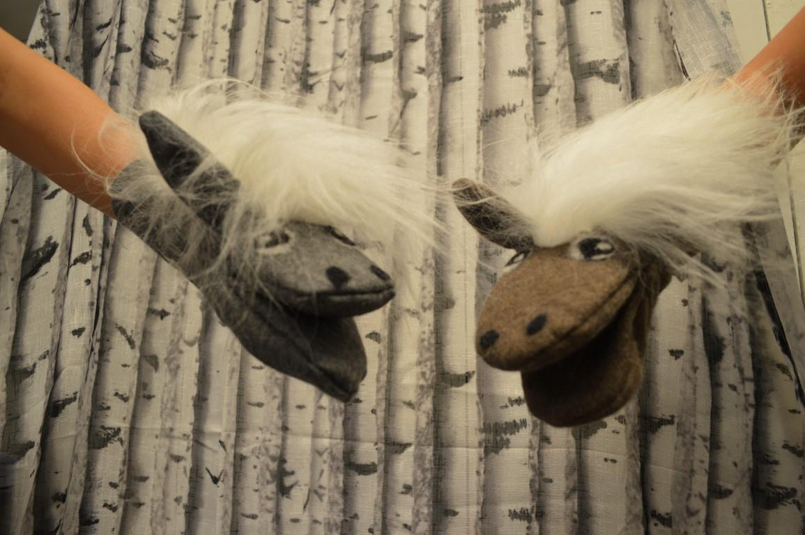 Handdocka häst