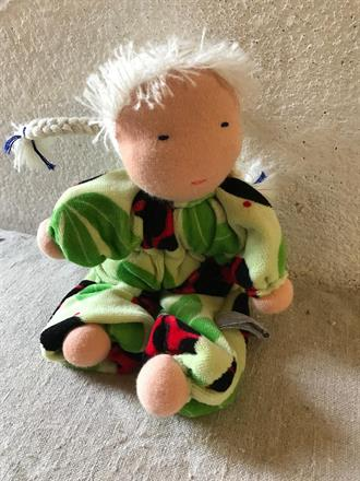 Middle sized hug doll, about 20 cm long - SEK 250
