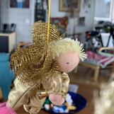 Large golden guardian angel with short blond hair - SEK 130