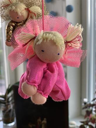 Large pink guardian angel - SEK 130