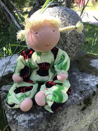 Large hug doll with blonde braids with light gren velor with ladybugs- SEK 350 !