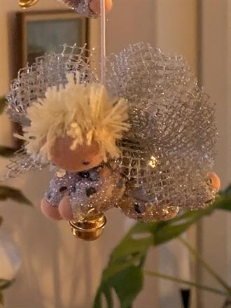 Small guardian angel in silver and short blond hair - SEK 100
