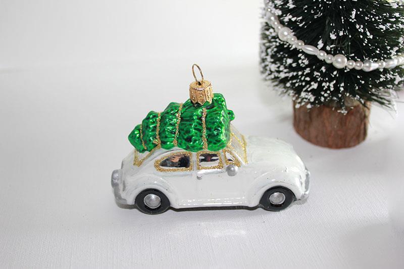 VW, hvit boble med juletre