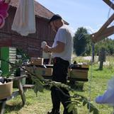Janne från Grävlingsprodukter, som tillsammans med Martina också arrangerade detta och alla sommarens andra aktiviteter!