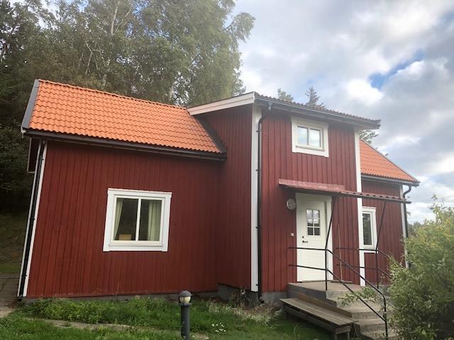 Nytt lertegel tak, fönster,dörrar och fasad målning