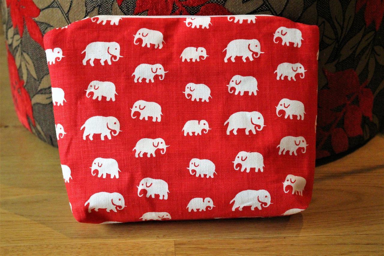 Necessär Röd elefanter