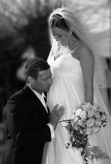 Gravid brud og mannen hennes