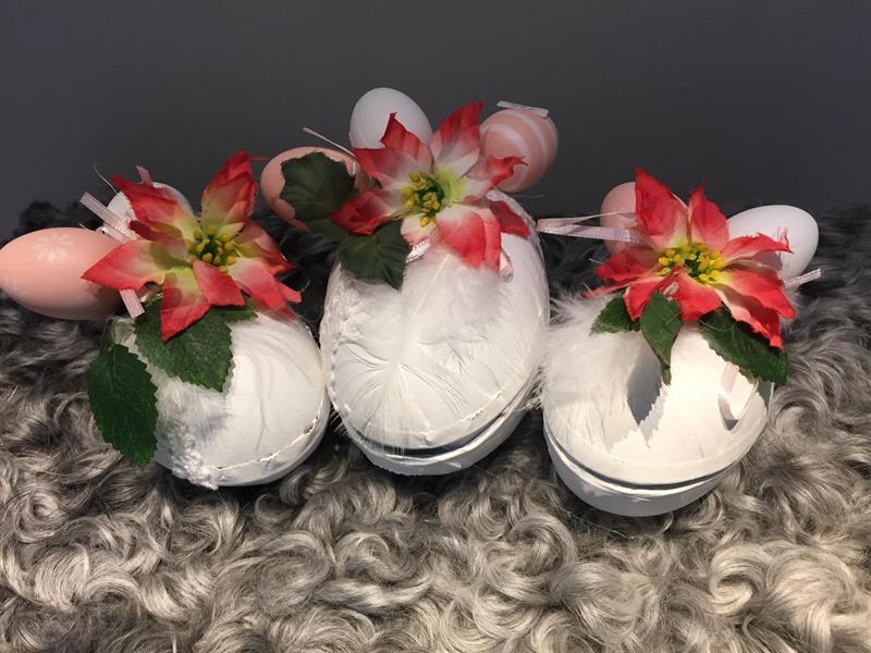 Tredekorerade påskägg i vitt o rosa