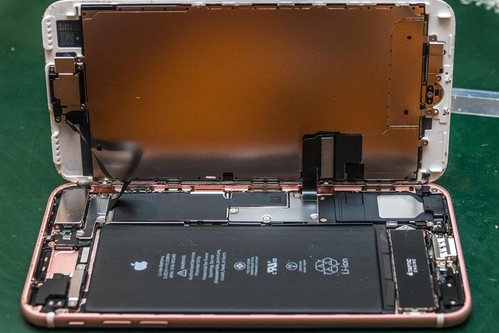 iPhone 7 Rose Gold Skjermbytte