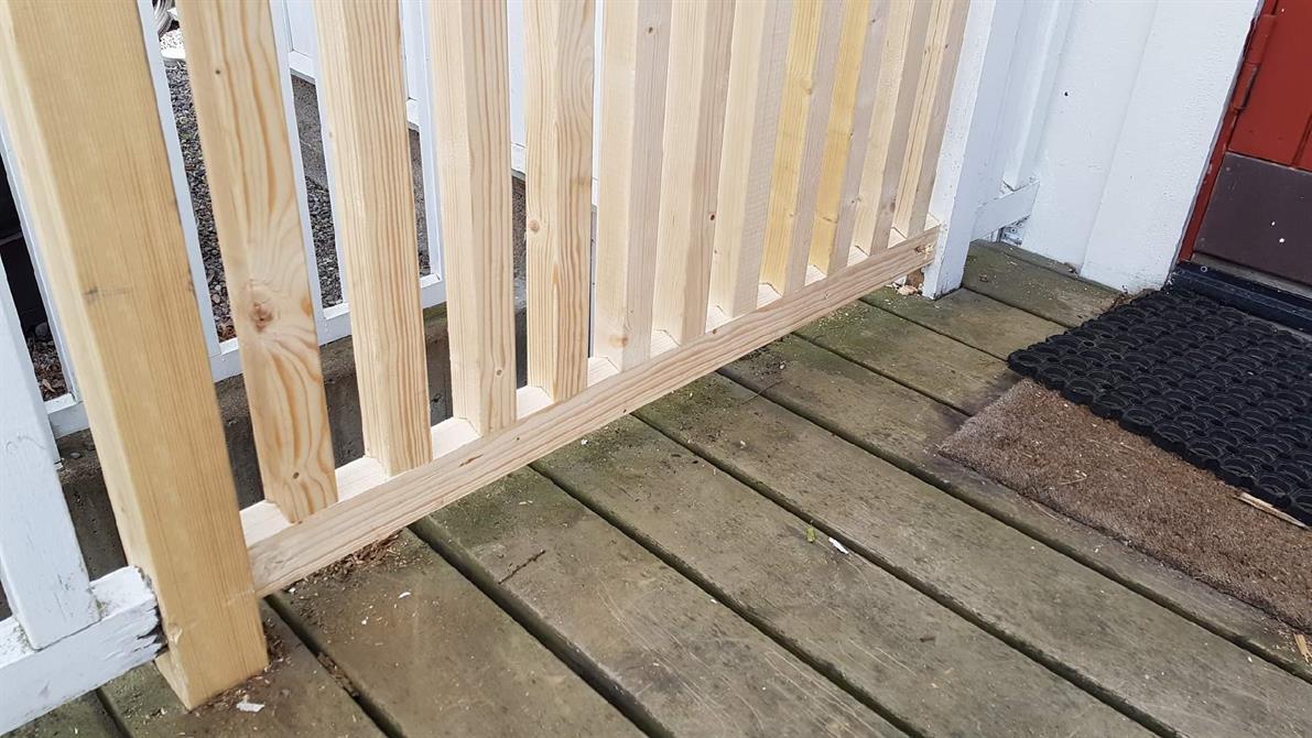 Reparation del av ett trappräcke