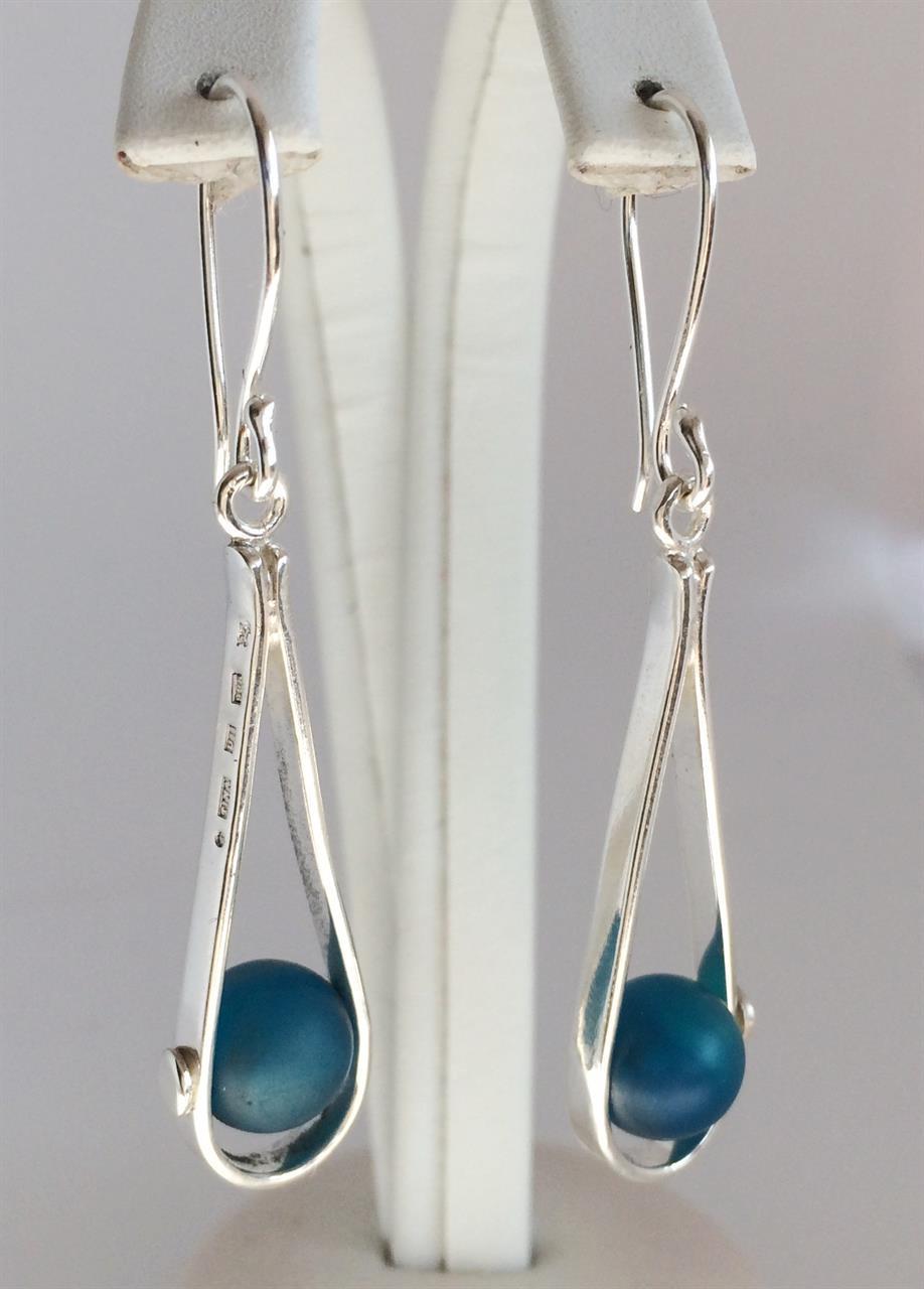 Silverörhänge av Kristina Fureby