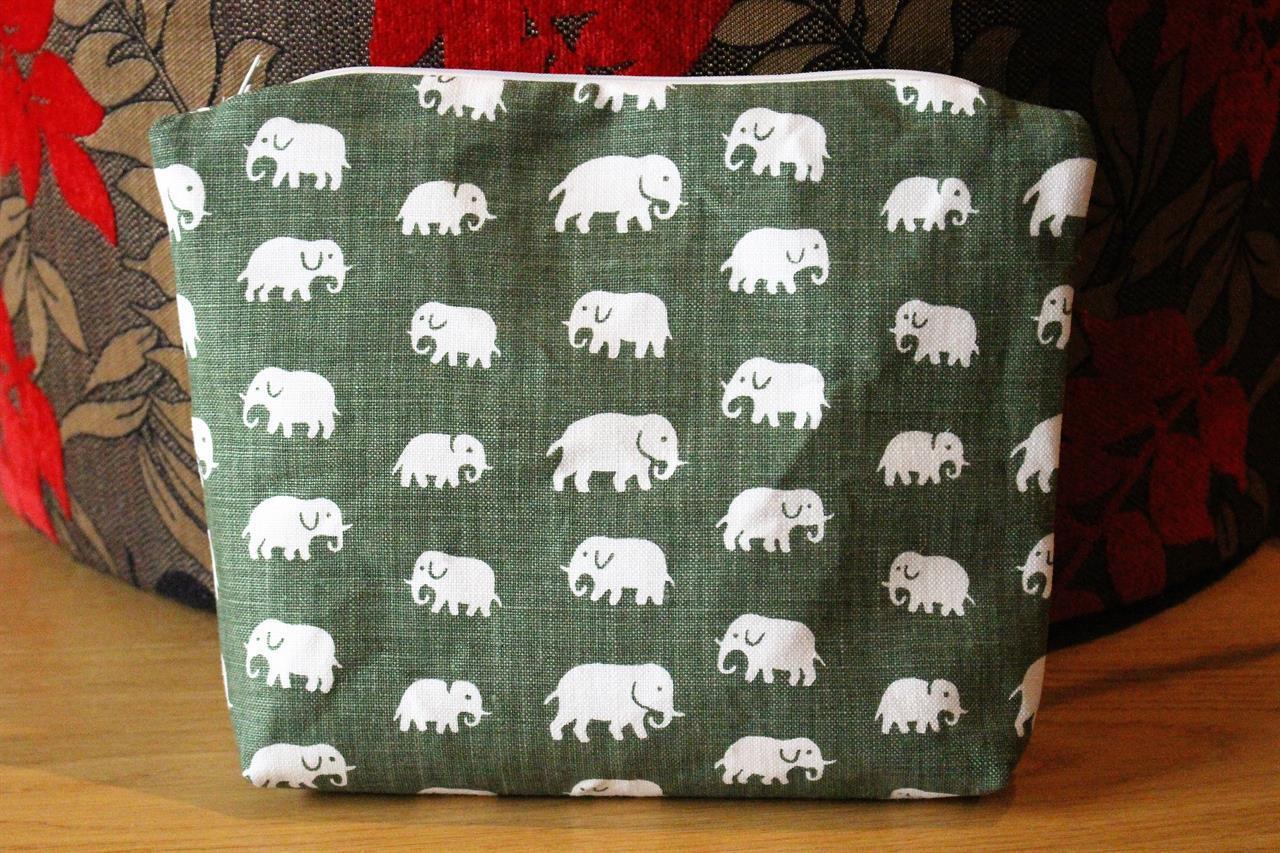 Necessär grön elefanter Lin