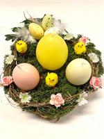 Påske pynt med egglys og kyllinger