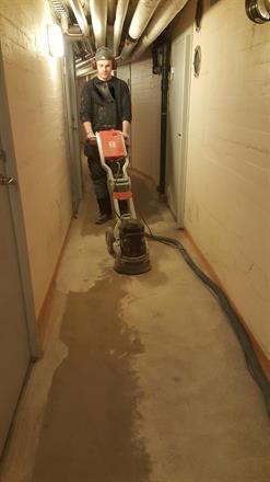 golvslipning/ källare