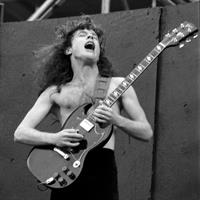 AC/DC, Angus Young, 1984