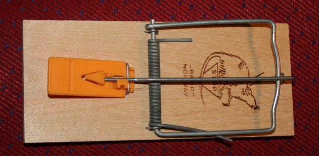 Rapp røyskattfelle med forsterket tråd. Medl.pris