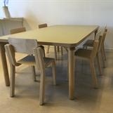 Matbord Marika utan sarg med Emilstolar
