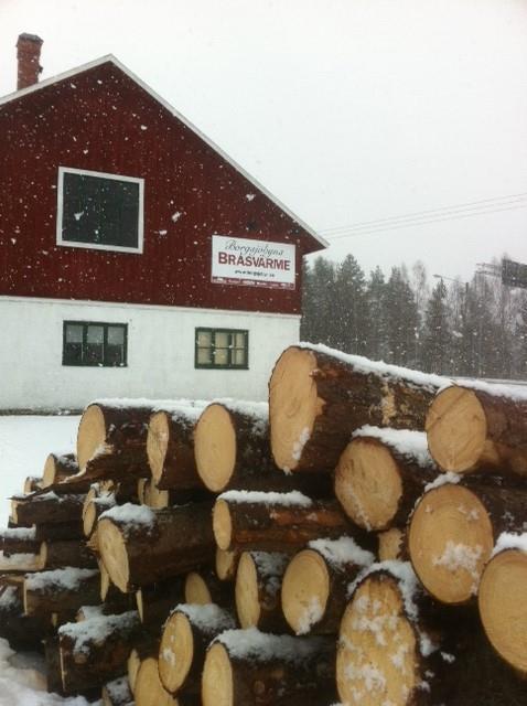 Lagårn i vinterskrud